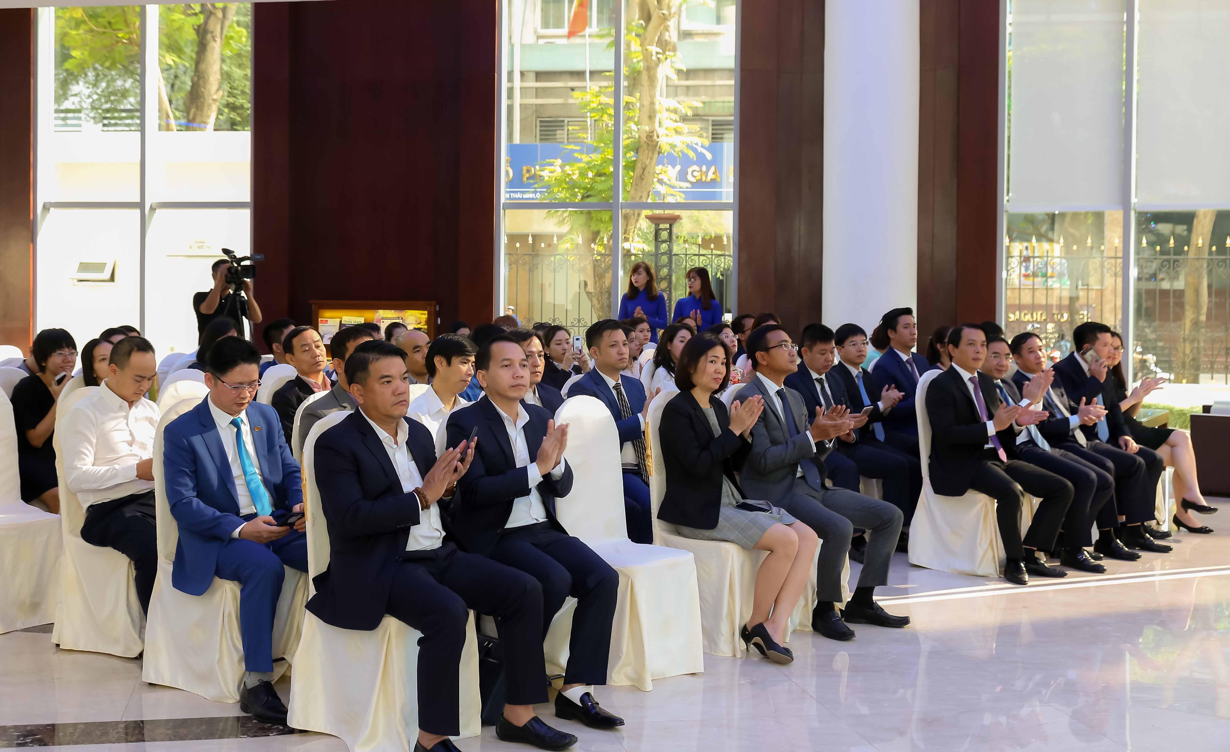 Lễ niêm yết cổ phiếu AST của Taseco Airs